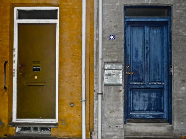 Farvede døre